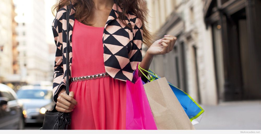 Woman-shopping-bags-photo.jpg